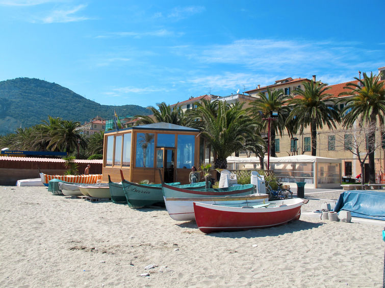 strand Finale Ligure, bloemenrivièra, Italië
